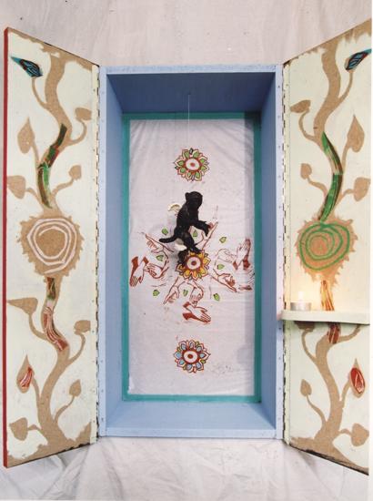 oratório, caixa em mdf, fundo com gravuras e colagens sobre papel, e pequena escultura ( neste caso o macaco) de papel,suspensa, 75x37,5x20 cm